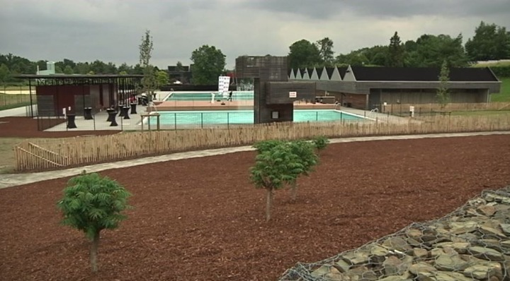 Des piscines paysag res chevetogne mat l for Chevetogne piscine